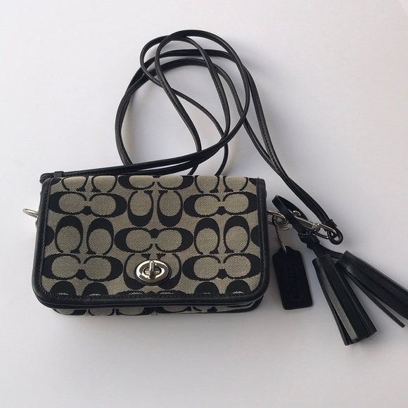 Coach Handbags - Coach crossbody